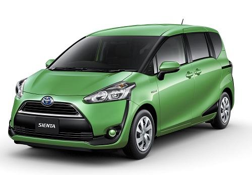 Toyota Sienta Hijau