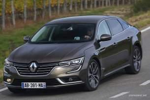 2016-Renault-Talisman-scene-33