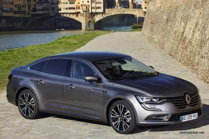 2016-Renault-Talisman-scene-43