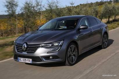 2016-Renault-Talisman-scene-47