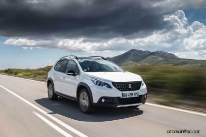 2017-Peugeot-2008-dynamic_023