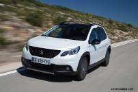 2017-Peugeot-2008-dynamic_033