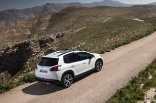 2017-Peugeot-2008_011