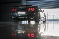 2017-Nissan-GT-R_010