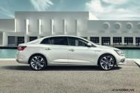 2017-Renault-Megane-Sedan_014