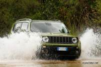 Jeep-Renegade-75-yil-engel