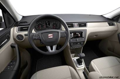 2013-seat-toledo-mk4-interior-konsol