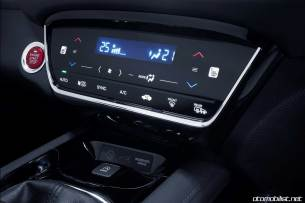 2016-honda-hr-v-interior-detail-3