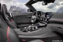 2017-mercedes-amg-gt-roadster-interior