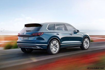 2017-volkswagen-touareg-concept-rear-side