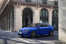 2017-seat-leon-blue-fr-coupe