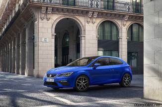 2017-seat-leon-blue-fr-coupe