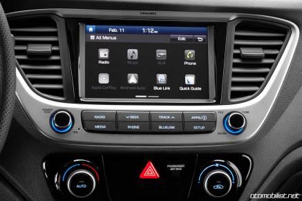 2018 Hyundai Accent multimedia navigasyon ekran car play android auto klima