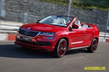 Skoda-Sunroq-driving