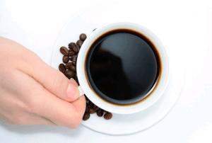 excesso-de-cafe-zumbido-
