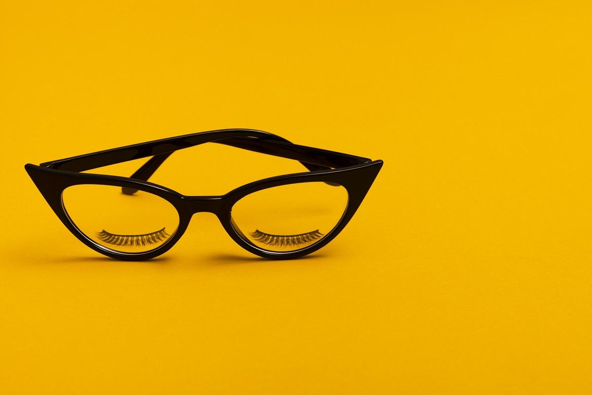 Gli occhiali stravaganti delle star
