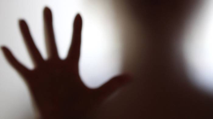 Risultati immagini per donna e abusi