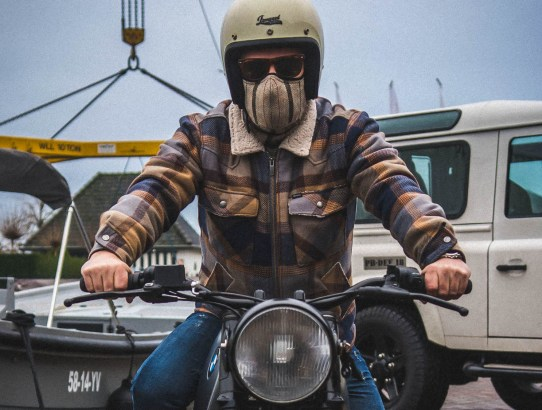 Rare Bird London mascara moto
