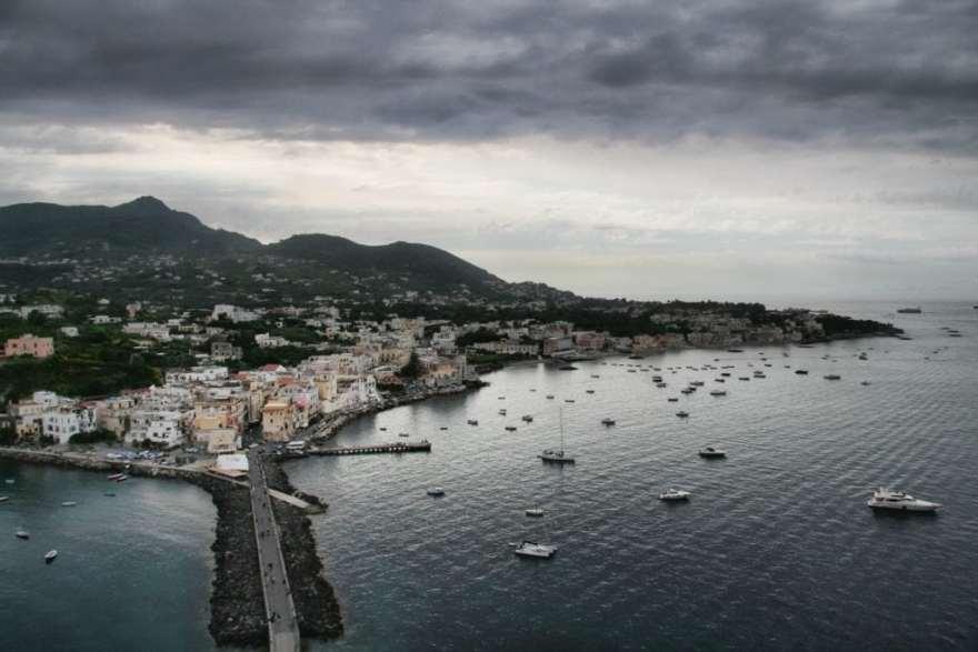 Sailing classes in Ischia, Italy