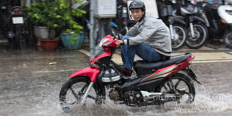 HCMC Rainy Season motorbikes
