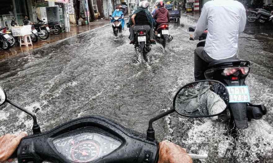 driving in rainy season vietnam