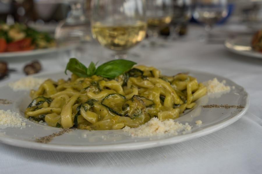 italy food etiquette