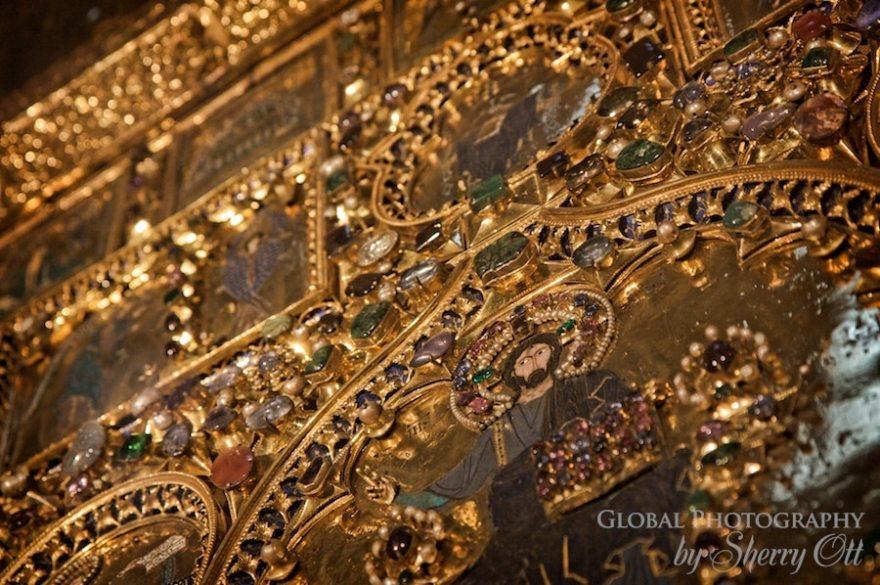 golden alter