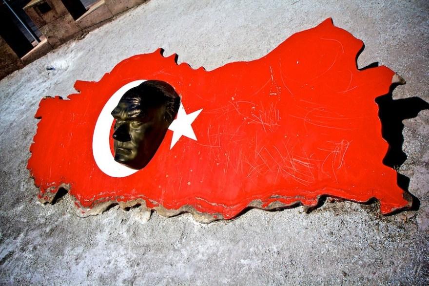 Turkey Monument highlighting Ataturk