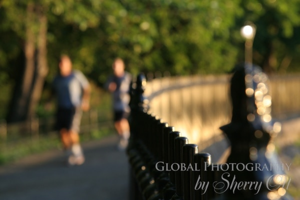 runners in central park