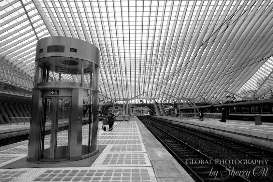 liege train station photos