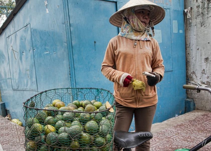market green oranges