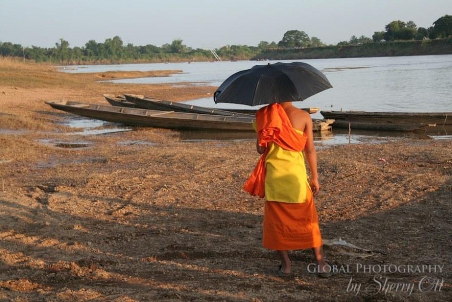 umbrella monk