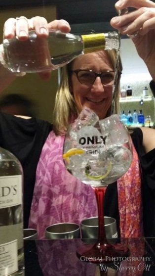 How to make a gin and tonic 3