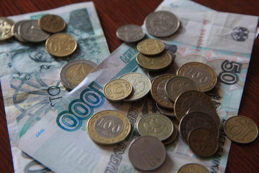 make money airbnb hosting