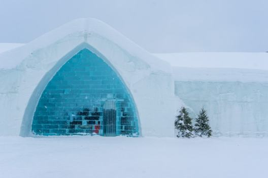 Hotel de Glace quebec winter
