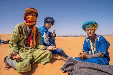 camel handlers sahara desert tour