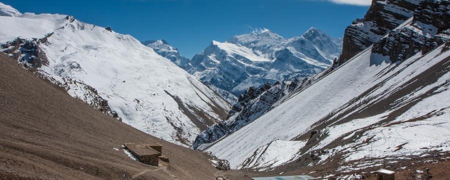 annapurna circuit hike mepal high camp