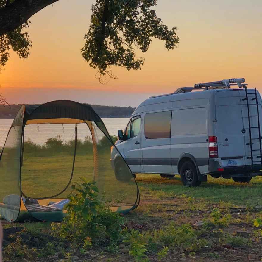 roadtrip in a campervan