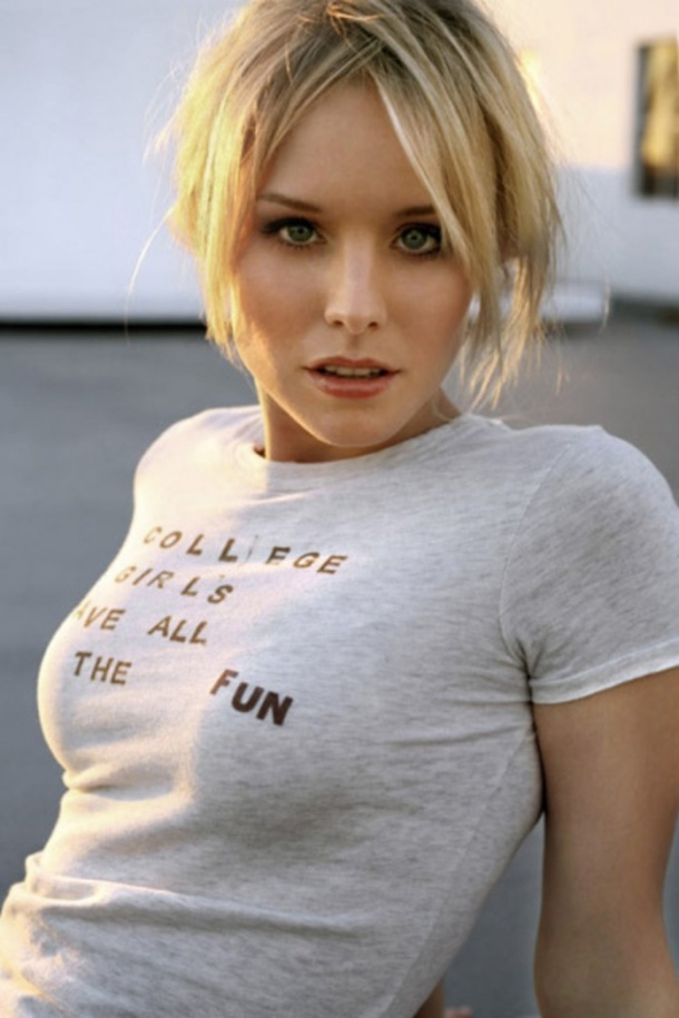 Kristen-Bell-T-Shirt-Boobs