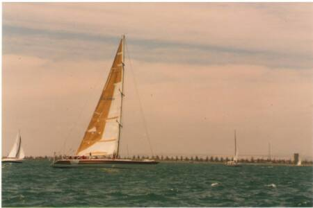 SOYC-030 Privateer at the start of Adelaide - Esperence leg 11-1-1987
