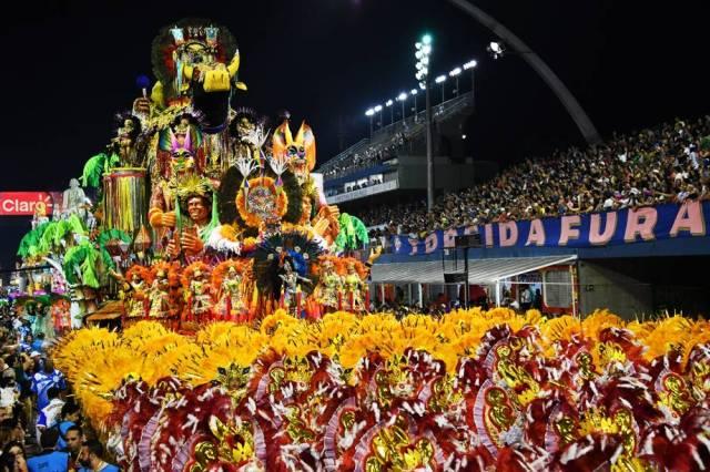 Acadêmicos do Tatuapé em desfile Carnaval (Foto: Nelson Almeida/AFP)