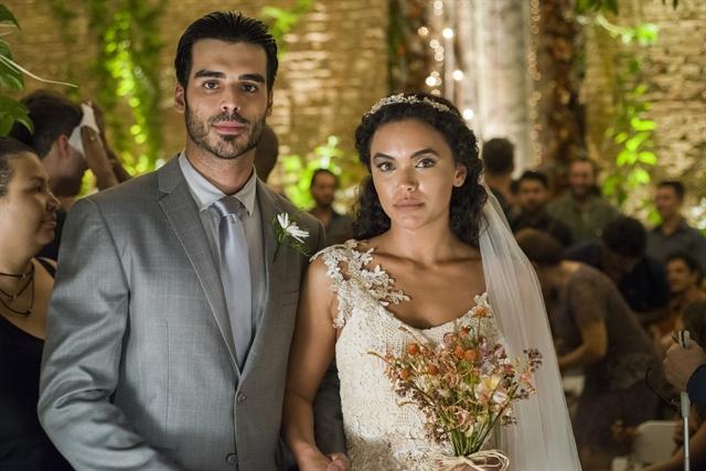 Xodó (Anderson Tomazini) e Cleo (Giovana Cordeiro) (Foto: Globo/César Alves)