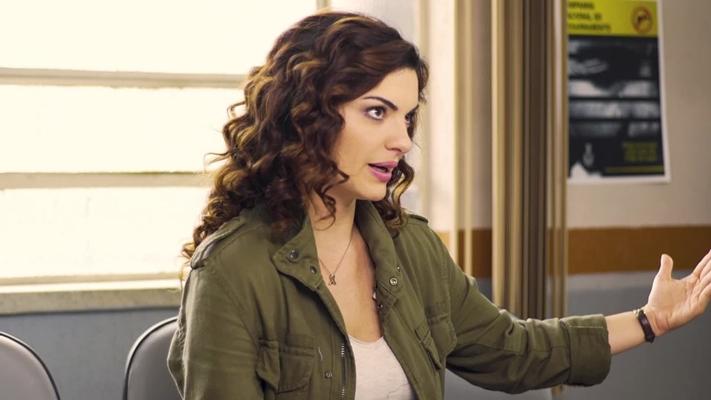 Mayana Neiva na série Rotas do Ódio. (Foto: Reprodução)