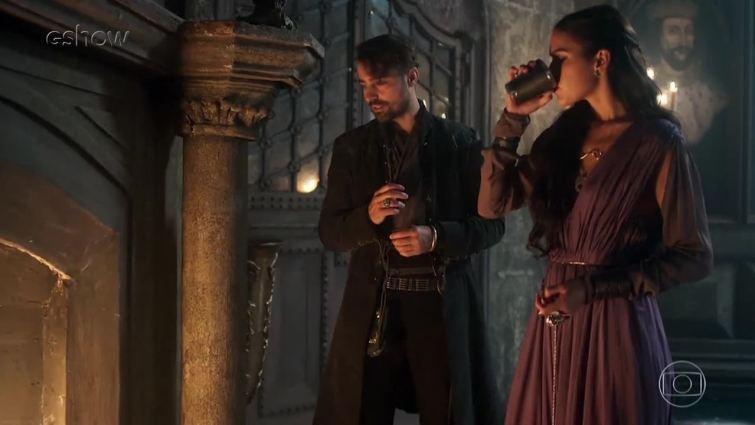 Catarina e Virgílio em Deus Salve o Rei (Foto: Reprodução)