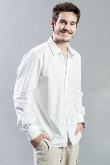 Samuca (Nicolas Prattes) em O Tempo Não Para (Foto: Globo/Raquel Cunha)