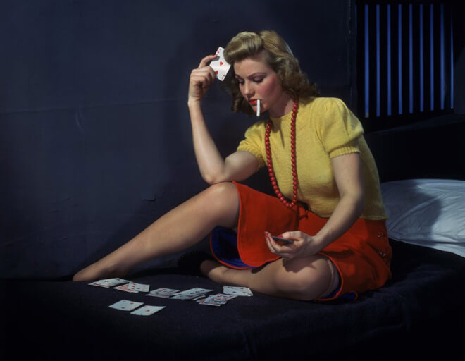 Emmenez un jeu de carte pour vos petits moments de solitude :-)