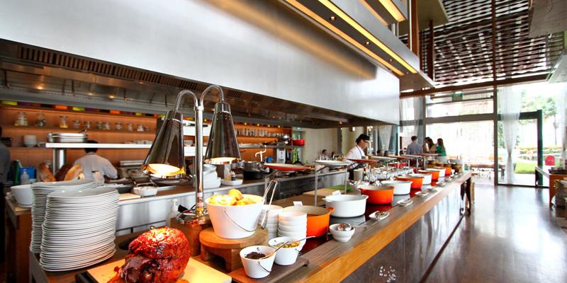 W Kitchen Sunday Brunch
