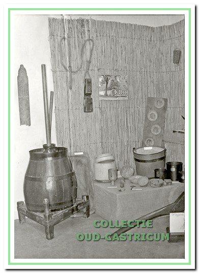 Hoekje van de expositieruimte van de werkgroep in De Duynkant.