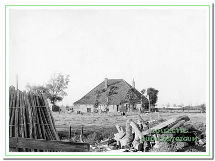 De boerderij op de hoek Kooiweg-Brakersweg.