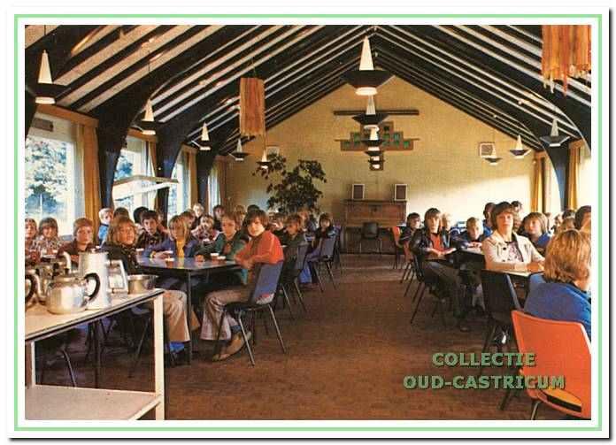 De jeugdherberg is uitgebreid met onder andere een grotere eetzaal.